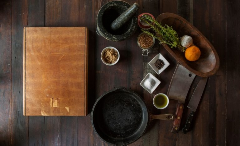 Creating Compelling Visual Content: Lessons from Food Bloggers